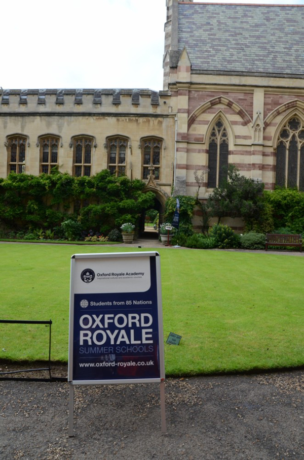 The vision of phramaha narin for Oxford royale academy